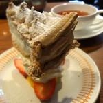 ブンブン紅茶店 - メレンゲのケーキです♪