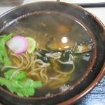 びっくりうどん 三好野 - 大きなニシンが入るニシン蕎麦