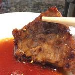 うるま農場 焼肉仙蔵 - 自慢のタレでお召し上がりください。