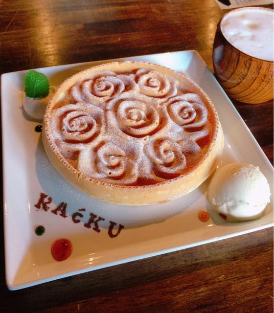 RAcKU - 薔薇の花をかたどったアメリカンワッフル