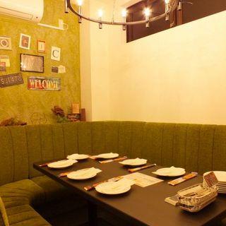 座席 : Trattoria&Pizzeria&BAR LOGIC 長野 (ロジック) - 長野 ...
