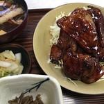 とんかつの美代 - 焼豚定食1,458円