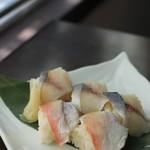 茶のみ処 大船軒 - 鯵の押鮨と小鯛の押鮨