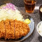 とんかつ檍 - :特上ロースかつ定食 2000円