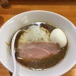 煮干中華ソバ イチカワ - 煮干ソバ醤油+出汁打ち込み式味玉