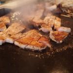 不二鉄板焼 - 豚ロースステーキ