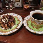アメ横ダンケ - バターブレンドカフェとケーゼクーヘン(チョコレート)