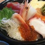 77437244 - 海鮮丼定食アップ