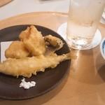 77437313 - 天ぷら。揚げたてやっぱりおいしい!