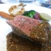 レストラン51 - 料理写真:群馬県神津牧場ジャージー牛 シンタマのロースト 蕪と蕪の葉 人参