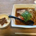 麺や絶豚 - 料理写真:あご出汁ピリ辛正油600円+肉みそ丼100円