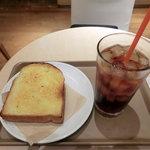 ジオ オーガニックカフェ - アイスティー&バタートーストモーニング350円