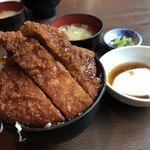 明治亭 - ロースカツ丼 ライス小 温泉卵トッピング