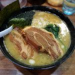 とんこつ麺 砂田 - ラーメン(650円)+角煮(350円)