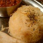 シャージ・パキスタンインドレストラン - バスマティライス わずかに黄色みがかってる( ゚∀゚)
