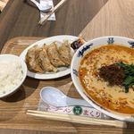 スーラーメン まくり - 担々麺、特大餃子、ライス