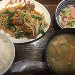 大阪王将 - 豚汁&レバニラ炒め定食¥820
