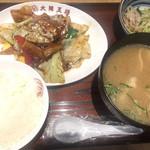 大阪王将 - 豚汁&ホイコーロー定食¥820