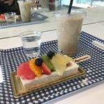 キュダモ - フルーツサンドとミックスジュース