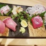 寿司上野坂 - 鯛、つぶ貝、鰤、マグロ お野菜は有明の海苔で♪