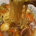 日高屋 - 麺アップ