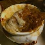 77462557 - 熱々の飴色玉ネギにチーズがトロ〜リ