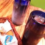 キングゴッドバーガー - アイスコーヒー&アイスカフェラテ