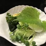 鮨知春 - 口直しのサラダ