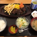 ファミリーレストラン タイニー - オリジナルステーキ和セット