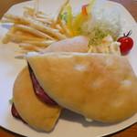 ベーカリー&カフェ キクチヤ - ローストビーフランチ850円(税別)