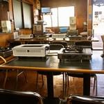 大昌園食堂 - 店内(テーブル席)