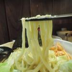 無銘 - 熟成練り醤油らーめんの麺