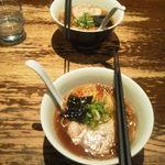 支那そばや 新横浜ラーメン博物館店 - 今回はミニ醤油らぁ麺2人前