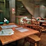 イタリアン&ワイン バル ビアージョ 新宿 - [内観] 店内 テーブル席 ①