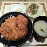 新潟カツ丼 タレカツ - かつ丼セット810円