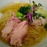 塩生姜らー麺専門店 マニッシュ - 鶏好き~♡塩好き~☆生姜好き~♡には堪らなく美味しいと思われます๑•̀ㅁ•́ฅ✧にゃ!!