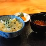 たまさか - 食事(栗ときのこのご飯)