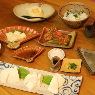 料理豆腐にこだわった料理の数々