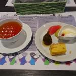 77490110 - 紅茶とデザート