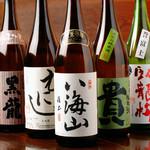 日本酒は、全国から辛口系の日本酒を取り揃えております