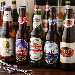 世界各国のビールと、ラッシーが充実。