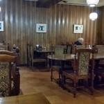 柊 - 店内。昭和ですよね~。