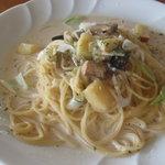 ヨナサルウテ - 色々野菜のクリームスパゲッティ。