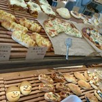 モナモナ - たくさんのパンたち