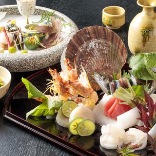 三河・北陸の鮮度の良い魚介、甘味はお土産としても好評です