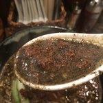 胡楼亭 - レンゲで掬うと、擦った感触が存分に感じることができる胡麻。ペーストも使用しているのでしょうが、擦った胡麻を飲んでる感じ。