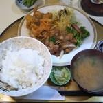 ごはん屋さん - 豚肉の生姜焼きと若鳥の唐揚げ定食 1,000円(税込)(2017年12月1日撮影)