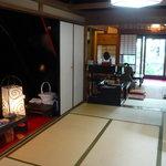 大野町きょう屋 - 奥に見えるのが喫茶スペース