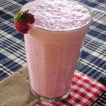 碧い月 - ミルク感たっぷり!いちごのスムージー
