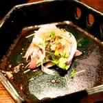 77510382 - 【お造り】寒鰤のお造り 香味野菜ポン酢
